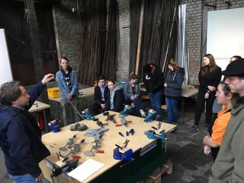 Die Unterstufe der Gestaltungstechnischen Assistenten erarbeitet derzeit neue Prototypen für Museumsworkshops der Gesenkschmiede Hendrichs