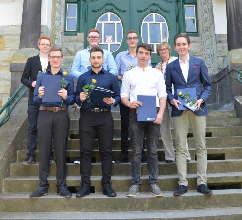 Abschlusszeugnisvergabe der physikalisch-technischen Assistenten mit Schwerpunkt Metallographie und Werkstoffkunde am TBK Solingen
